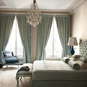 два окна в спальне дизайн идеи