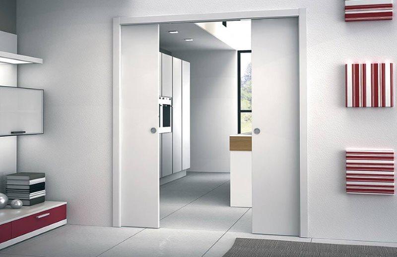 Дизайн кухни-гостиной с раздвижными дверями