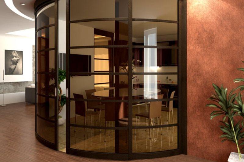 Радиусные раздвижные двери из тонированного стекла
