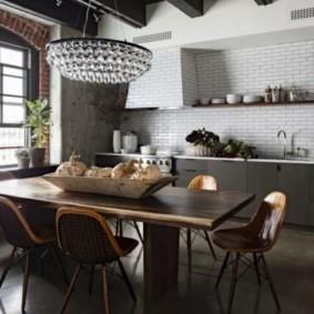 Плитка кабанчик на фартуке кухни-гостиной