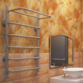 электрический полотенцесушитель в ванную фото декора