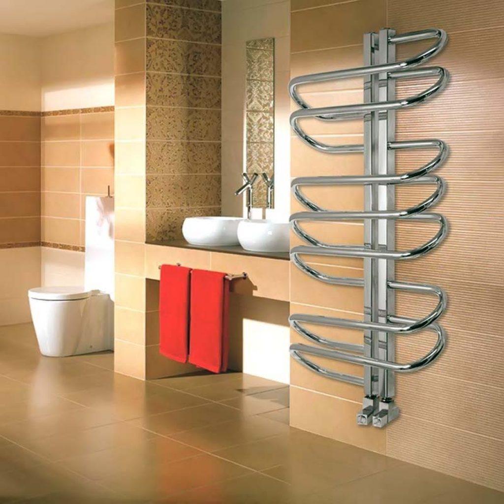 электрический полотенцесушитель в ванную фото оформление