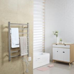 электрический полотенцесушитель в ванную варианты