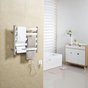 электрический полотенцесушитель в ванную варианты фото