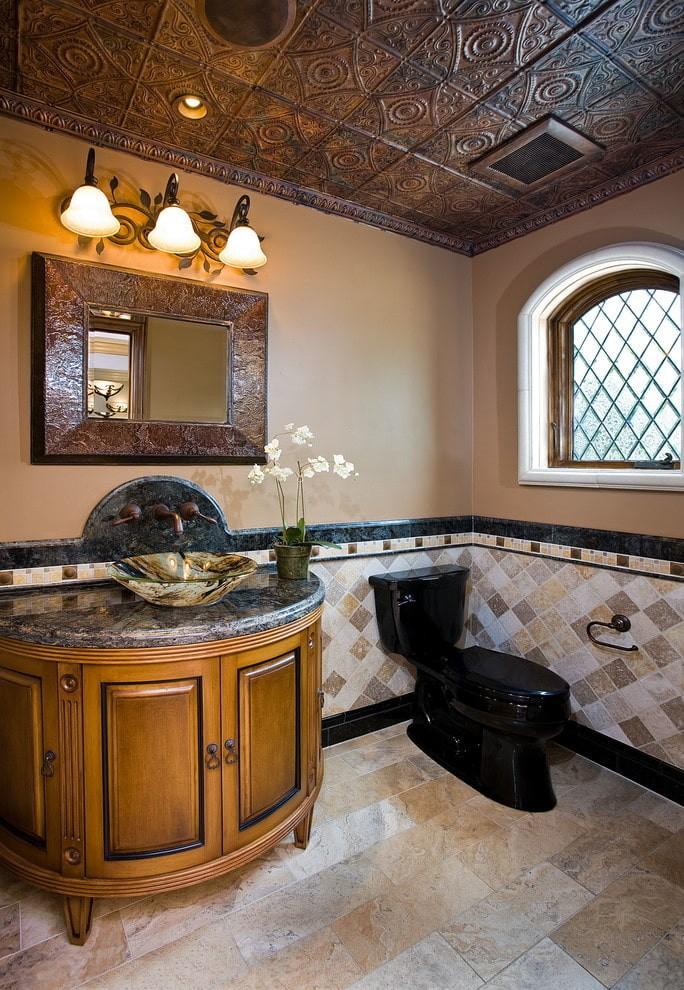 Фактурная плитка на потолке туалета в восточном стиле