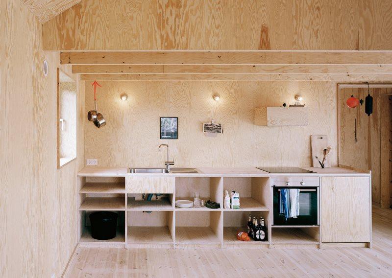 Березовая фанера в интерьере кухни