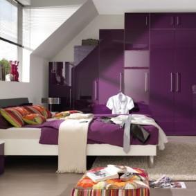 фиолетовая спальня фото декора