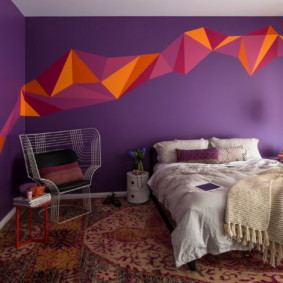 фиолетовая спальня интерьер