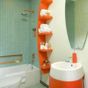 Полочка оранжевого цвета для туалетных принадлежностей