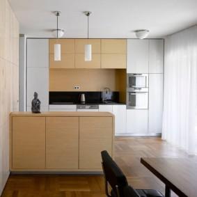 Кухня-столовая в городской квартире