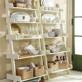 Приставные полочки для кухонной утвари