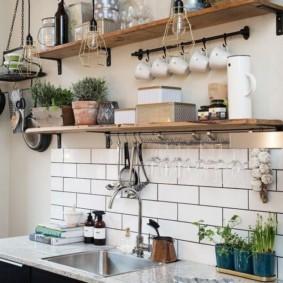Кухонная мойка в столешнице из искусственного камня