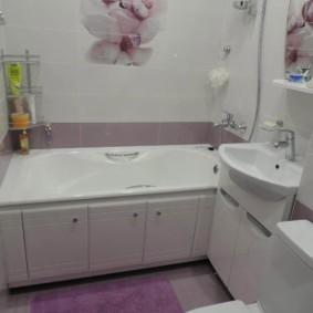 Современная ванная комната в панельном доме