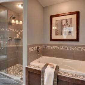 Картина в интерьере ванной комнаты