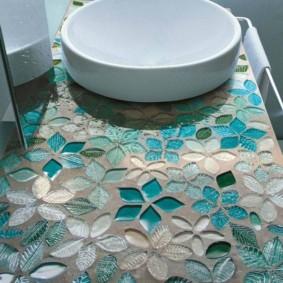 Стеклянная мозаика на бетонной столешнице