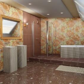 Коричневая плитка на полу ванной