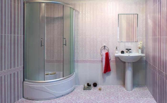 округлая шторка для ванной комнаты из стекла