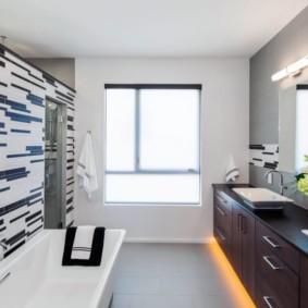 Дизайн ванной комнаты с двумя умывальниками