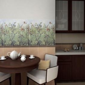 Чайный сервиз на коричневом столике