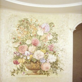 Фреска цветочной тематики на стене кухни