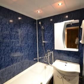 Синие стены в современной ванной