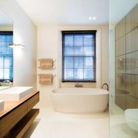 Акриловая ванна в частном доме