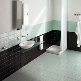 Напольное покрытие ванной из плитки кабанчик