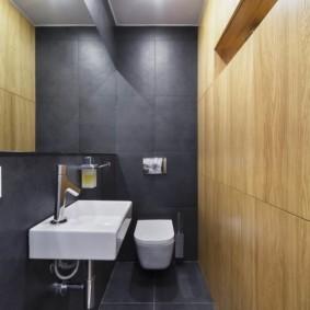 Крупноформатная плитка с имитацией деревянной поверхности