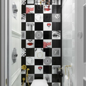 Пэчворк в современном варианте на стене туалета