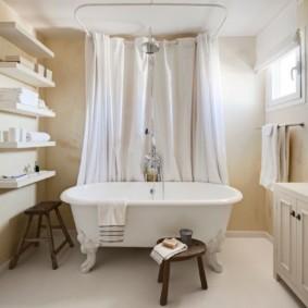 Светлая ванная комната в скандинавском стиле