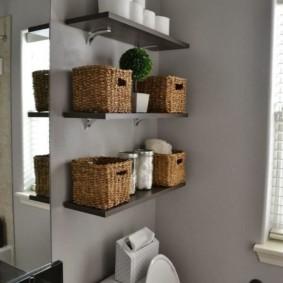 плетенные корзинки с банными принадлежностями