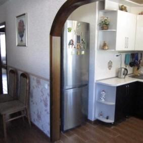 Деревянная облицовка кухонной арки
