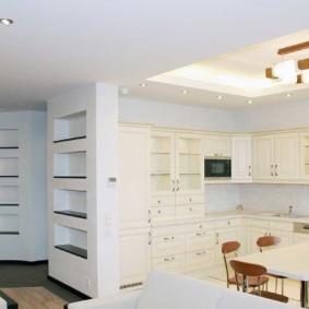 Гипсокартоный потолок белого цвета