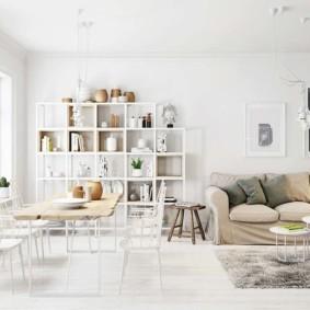 Белоснежный интерьер кухни-гостиной