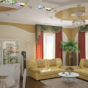 Декор витражами потолка в кухне-гостиной