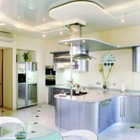 Зонирование кухни-гостиной подвесными конструкциями