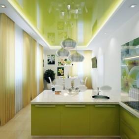 Салатовый потолок натяжного типа