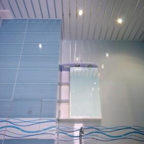 Голубая плитка прямоугольной формы
