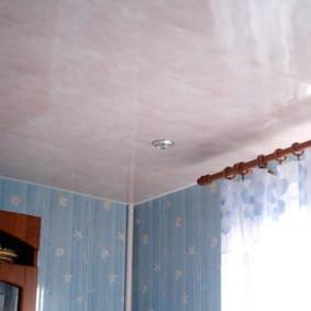 Подвесной потолок из ПВХ-панелей