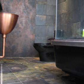 Медный умывальник в ванной стиля лофт