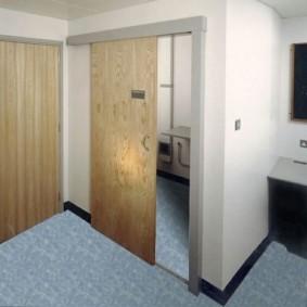Дизайн санузла с раздвижными дверьми