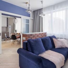 Синий диван прямой формы