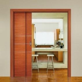 Раздвижная дверь каскадной конструкции