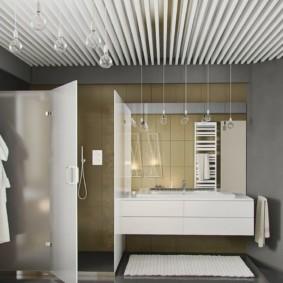 Дизайнерский потолок из металлических панелей