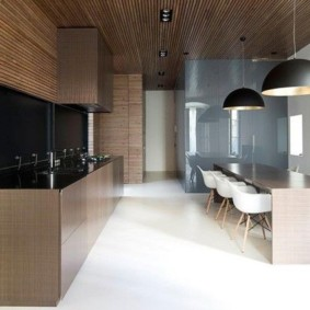 Дизайн просторной кухни в стиле минимализма