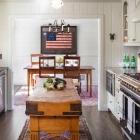 Кухонный стол в ретро стиле