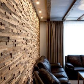 Деревянные плашки на стене кухни-гостиной