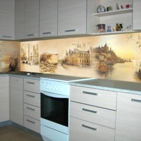 Изображения старинных городов на кухонном фартуке