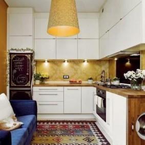 Точечная подсветка кухонного фартука