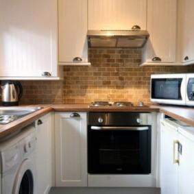 П-образная кухня небольшой площади